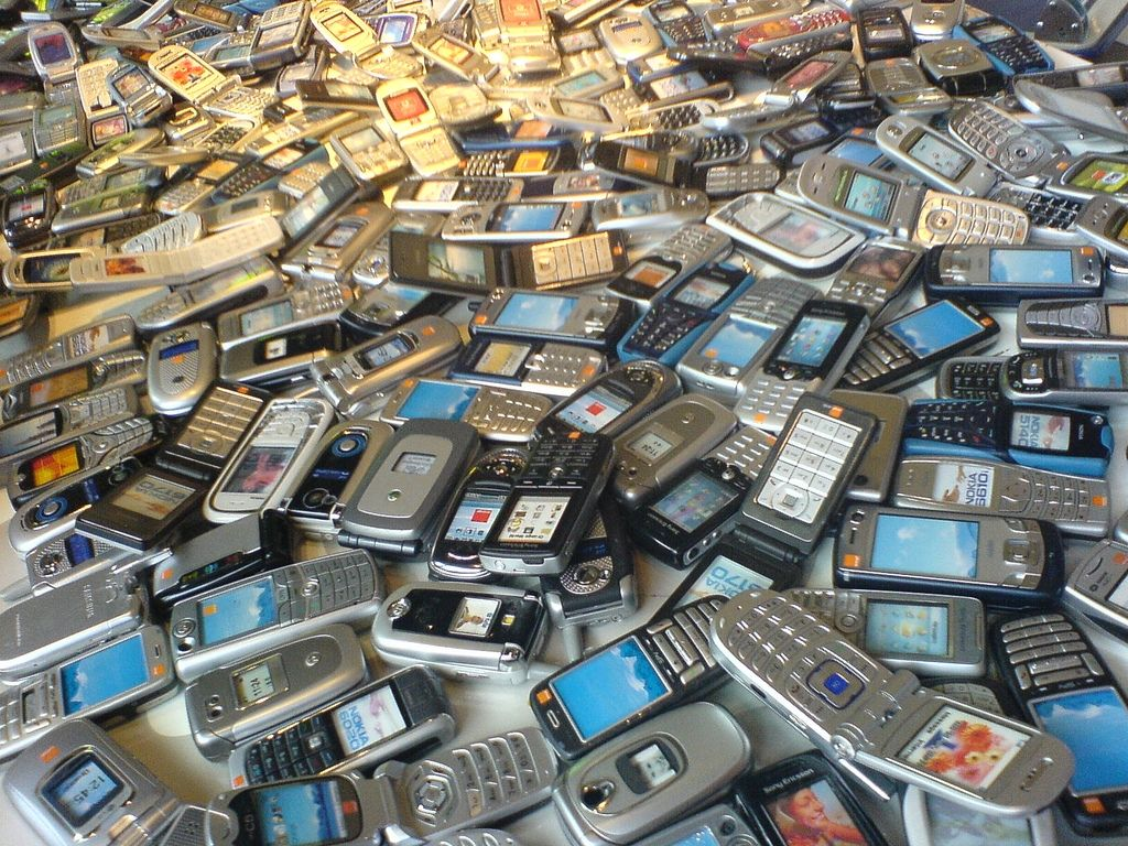 mobile phones in the market of Bangladesh
